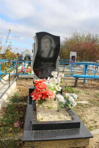 Памятник из гранита. Изготовление и установка памятника Ставрополь. Благоустройство участка. (20)