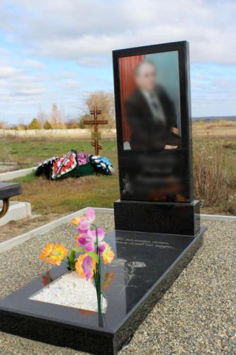 Памятник из гранита. Изготовление и установка памятника Ставрополь. Благоустройство участка. (25)