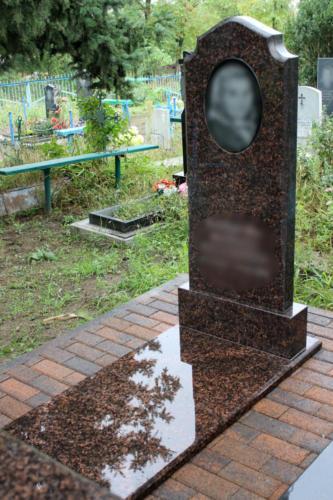 Памятник из гранита. Изготовление и установка памятника Ставрополь. Благоустройство участка. (008)
